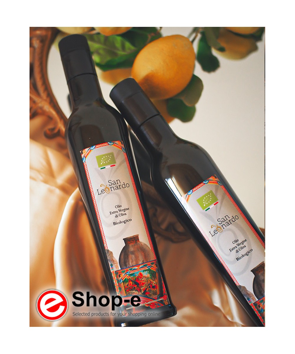 Gift box in box with 2 bottles of Sicilian organic oil