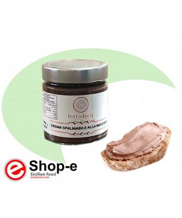 Hazelnut spreadable cream