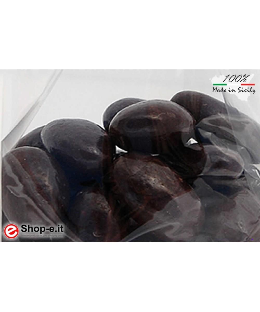 Mandeln mit 100 g dunkler Schokolade überzogen