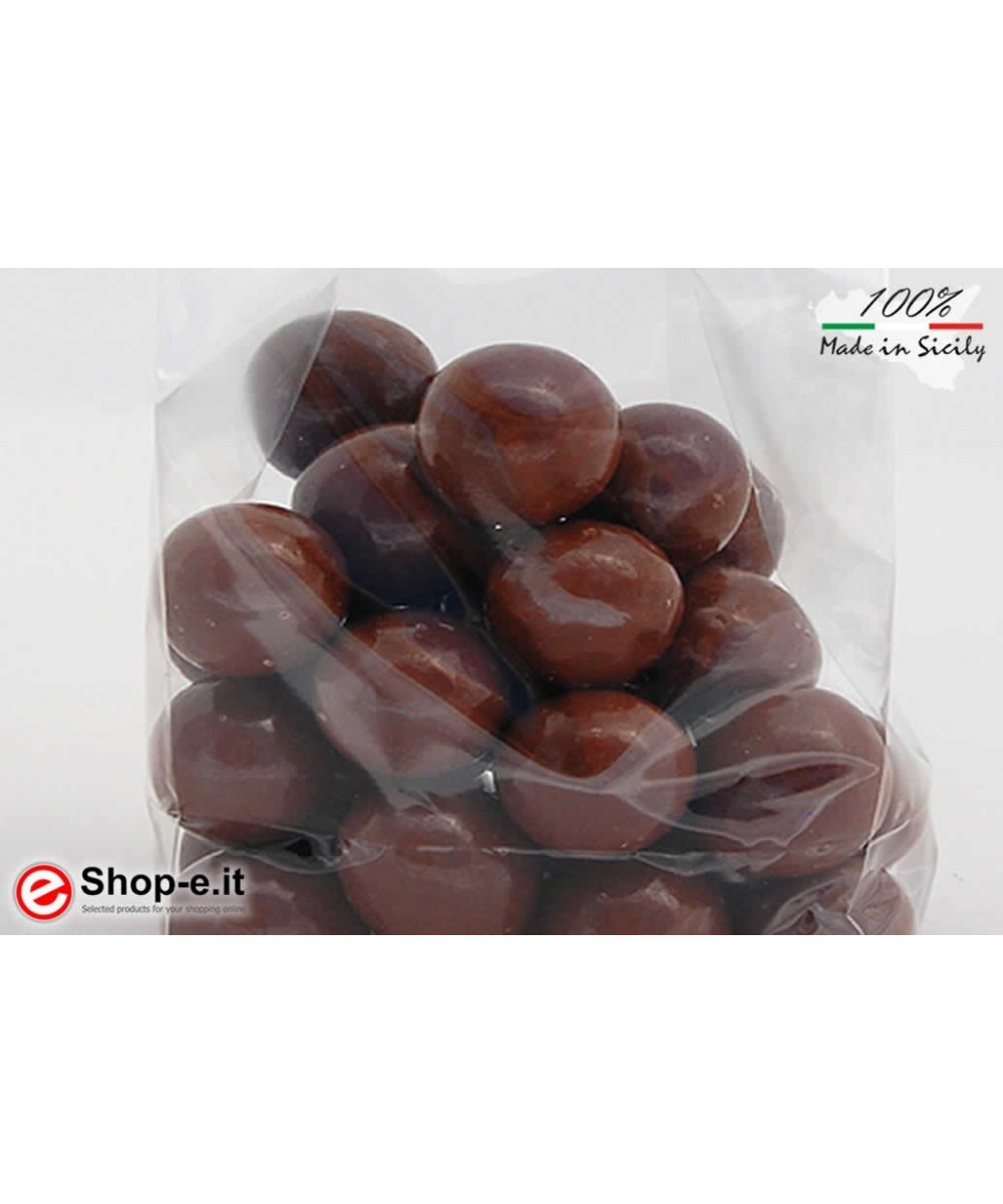 Hazelnuts covered with 100 grams milk chocolate
