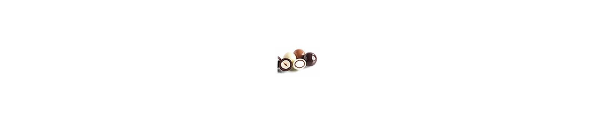 Canditi, mandorle,  pistacchi, nocciole e chicchi di cioccolato